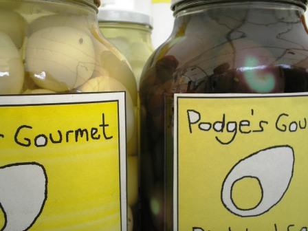Podge's_Gourmet_Pickled_Eggs_2